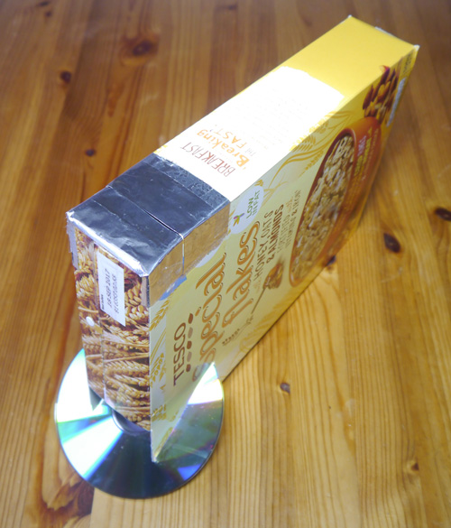Spectroscope using carboard box